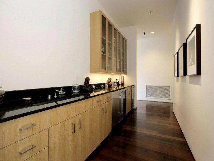 lesem-house-houstons-southampton-neighborhood-stern-bucek-architects-13