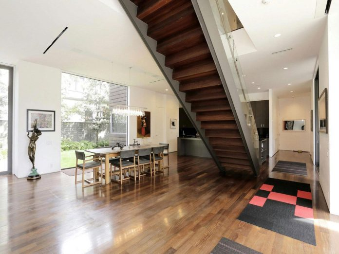 lesem-house-houstons-southampton-neighborhood-stern-bucek-architects-14