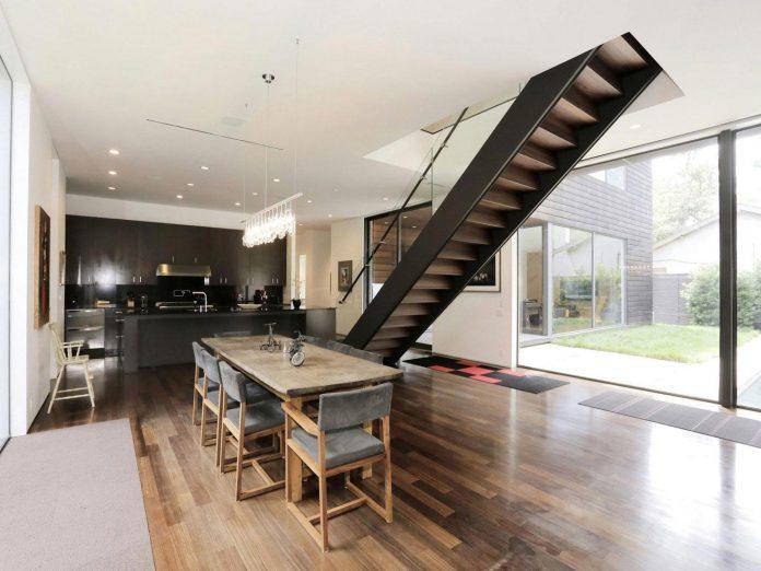 lesem-house-houstons-southampton-neighborhood-stern-bucek-architects-15