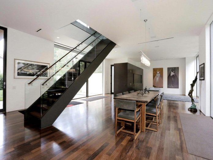 lesem-house-houstons-southampton-neighborhood-stern-bucek-architects-16