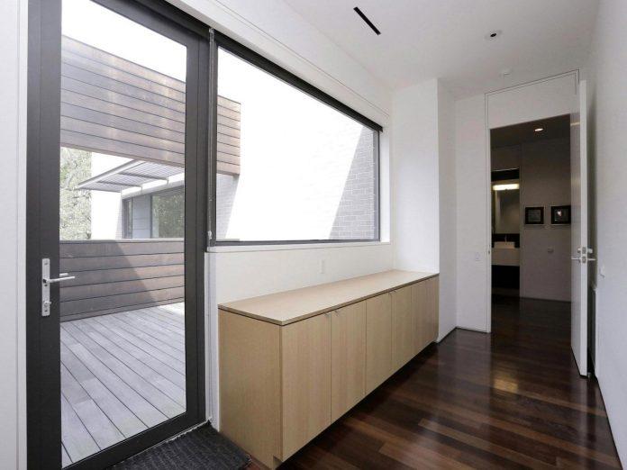 lesem-house-houstons-southampton-neighborhood-stern-bucek-architects-20