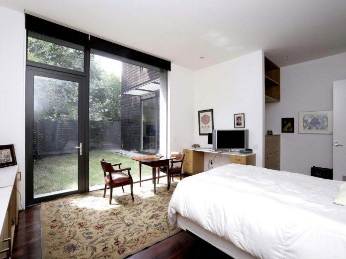 lesem-house-houstons-southampton-neighborhood-stern-bucek-architects-22