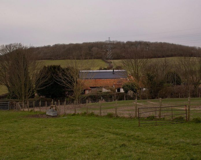 liddicoat-goldhill-design-ancient-party-barn-barn-conversion-contemporary-atmospheric-getaway-relaxing-gathering-04