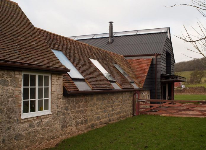 liddicoat-goldhill-design-ancient-party-barn-barn-conversion-contemporary-atmospheric-getaway-relaxing-gathering-13