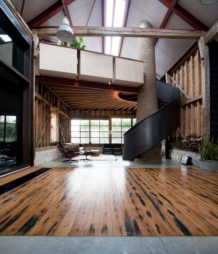 liddicoat-goldhill-design-ancient-party-barn-barn-conversion-contemporary-atmospheric-getaway-relaxing-gathering-15