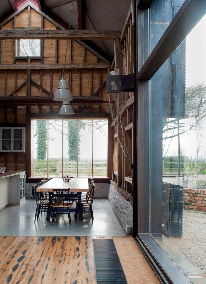 liddicoat-goldhill-design-ancient-party-barn-barn-conversion-contemporary-atmospheric-getaway-relaxing-gathering-27