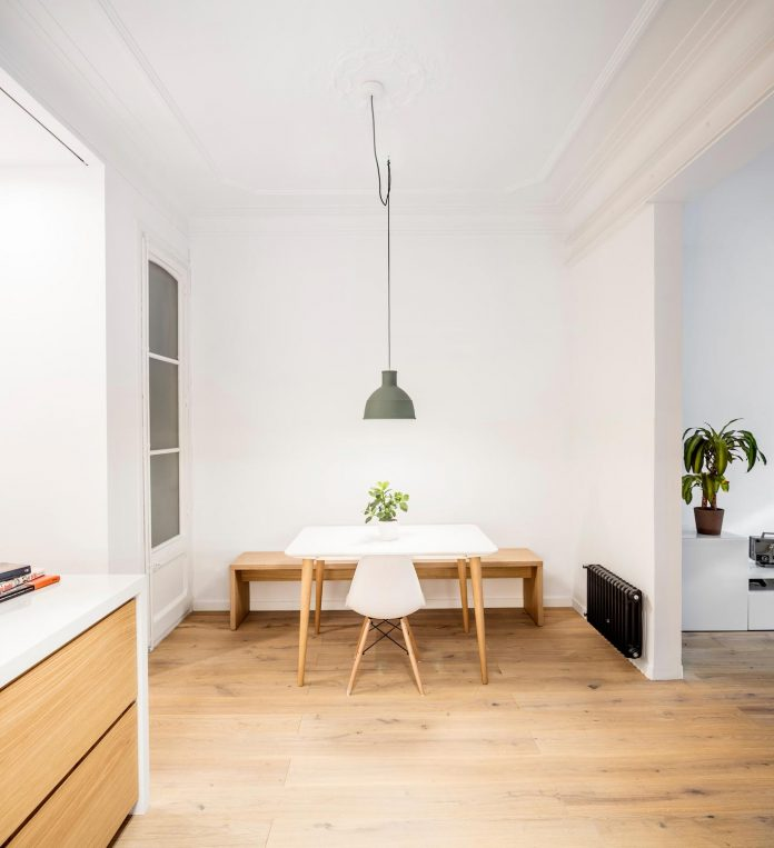 light-wood-white-define-alans-apartment-renovation-adrian-elizalde-03