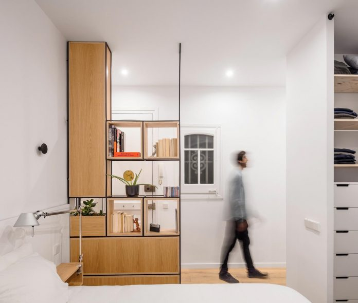 light-wood-white-define-alans-apartment-renovation-adrian-elizalde-09