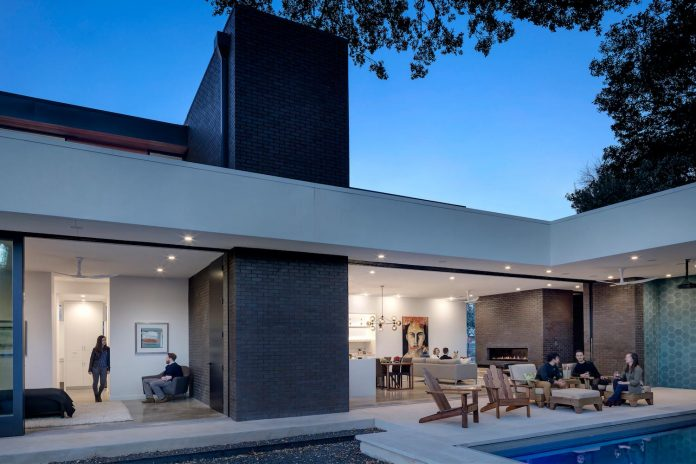 matt-fajkus-architecture-design-main-stay-house-clean-forms-urban-infill-living-space-blurs-lines-inside-outside-07