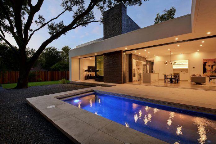 matt-fajkus-architecture-design-main-stay-house-clean-forms-urban-infill-living-space-blurs-lines-inside-outside-09