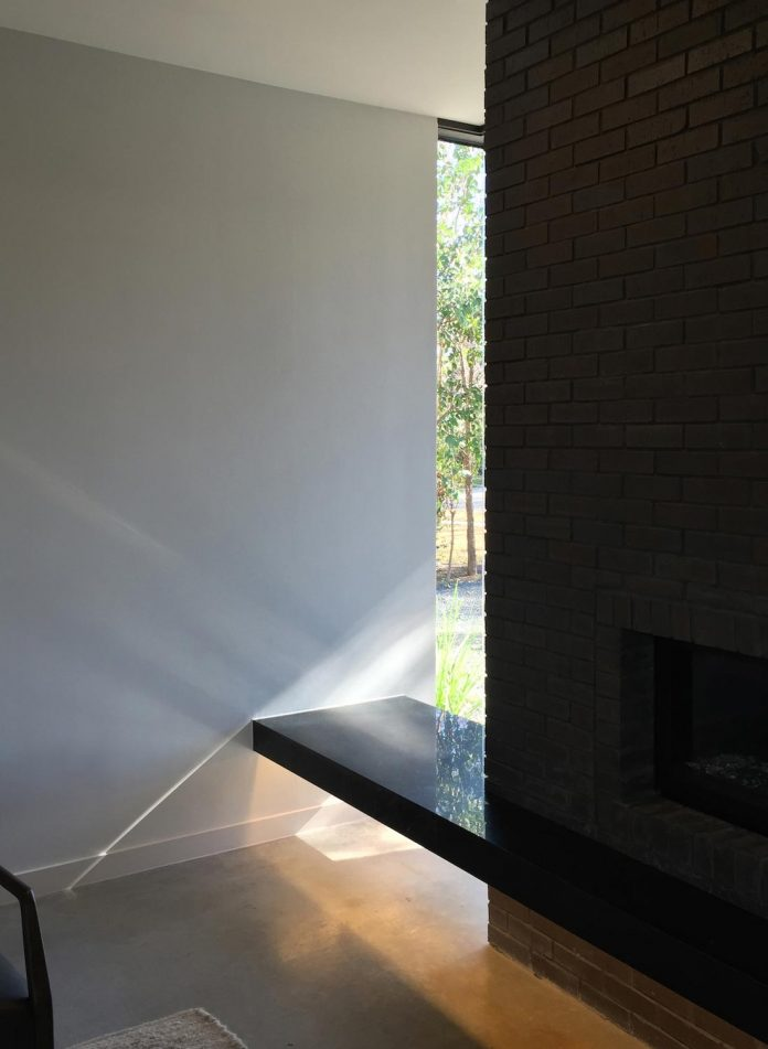 matt-fajkus-architecture-design-main-stay-house-clean-forms-urban-infill-living-space-blurs-lines-inside-outside-17