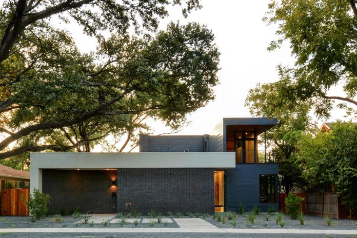 matt-fajkus-architecture-design-main-stay-house-clean-forms-urban-infill-living-space-blurs-lines-inside-outside-18