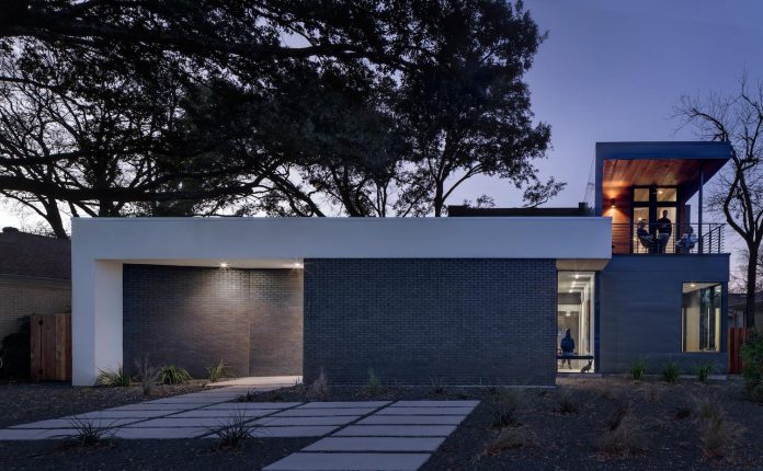 matt-fajkus-architecture-design-main-stay-house-clean-forms-urban-infill-living-space-blurs-lines-inside-outside-21