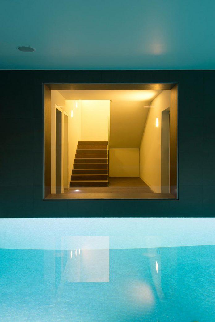 middle-sized-family-house-narrow-street-z-center-zagreb-dva-arhitekta-07