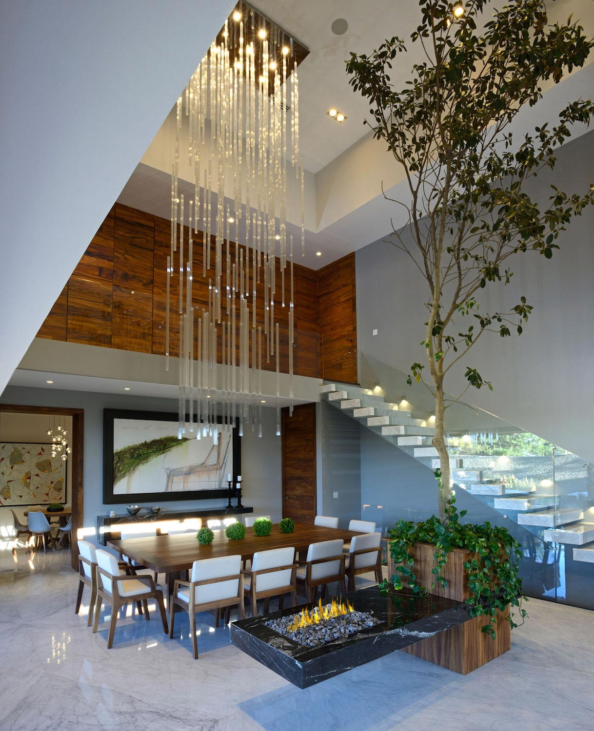 15 Majestic Contemporary Home Bar Designs For Inspiration: Modern Atrium House With Large Double-height Space Living