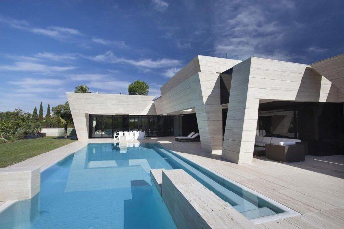 modern-s-v-house-located-seville-spain-cero-03