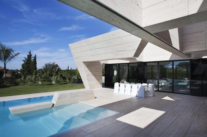 modern-s-v-house-located-seville-spain-cero-06