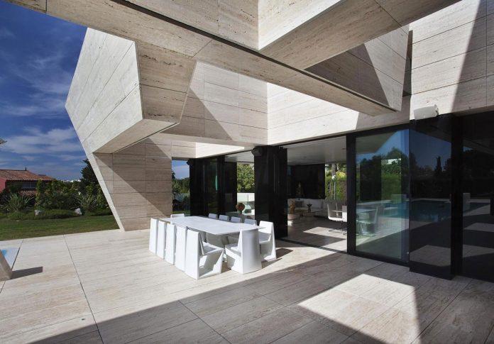 modern-s-v-house-located-seville-spain-cero-10