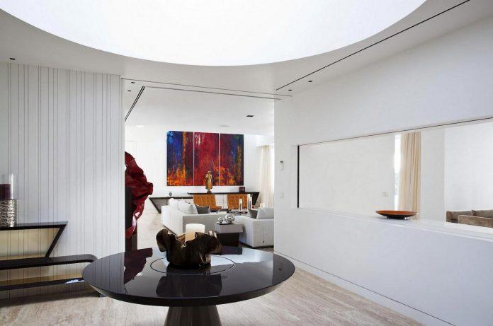 modern-s-v-house-located-seville-spain-cero-31