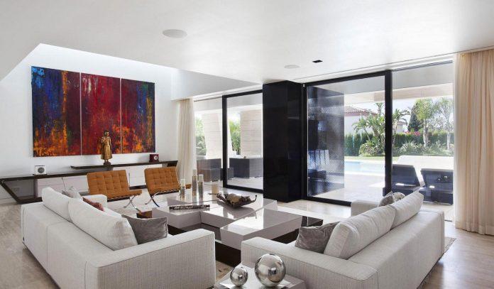 modern-s-v-house-located-seville-spain-cero-33