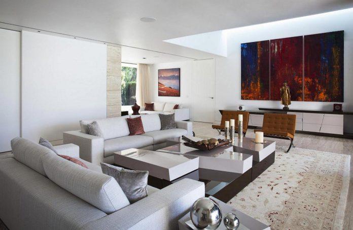 modern-s-v-house-located-seville-spain-cero-34