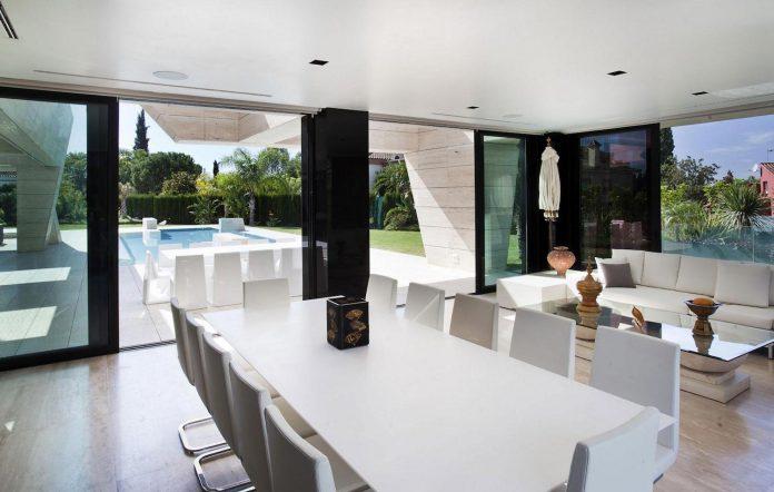 modern-s-v-house-located-seville-spain-cero-40