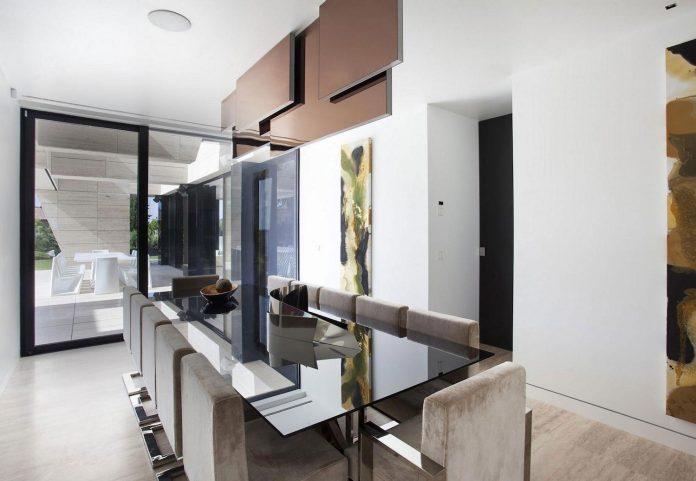 modern-s-v-house-located-seville-spain-cero-41