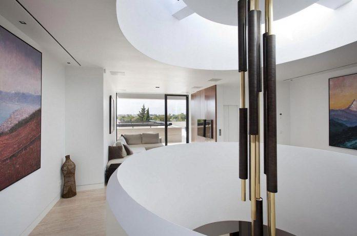 modern-s-v-house-located-seville-spain-cero-44