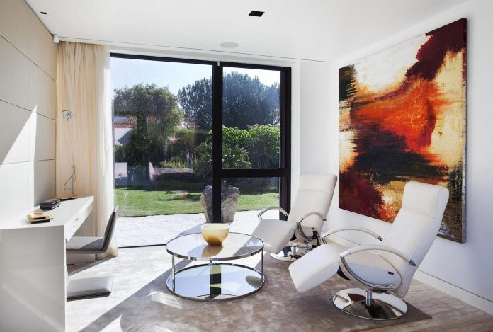modern-s-v-house-located-seville-spain-cero-47