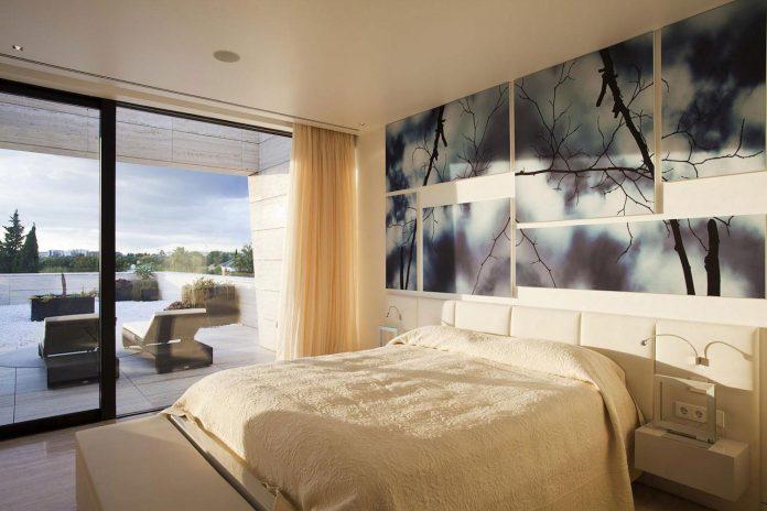 modern-s-v-house-located-seville-spain-cero-48