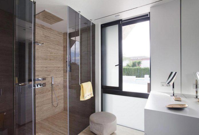 modern-s-v-house-located-seville-spain-cero-49