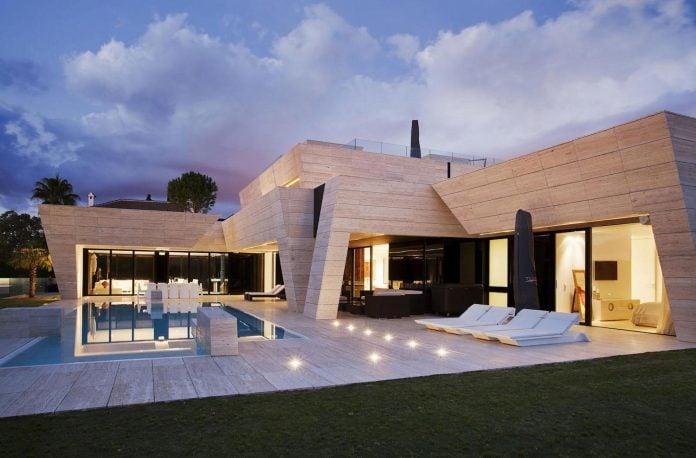 modern-s-v-house-located-seville-spain-cero-56