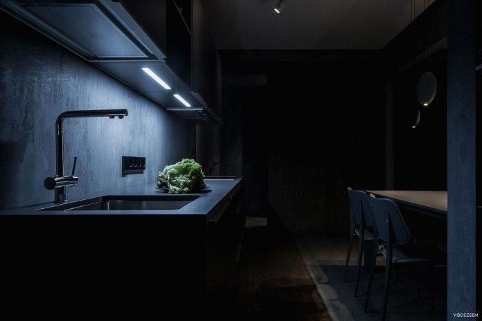 modern-twilight-apartment-interior-kiev-designed-yodezeen-17