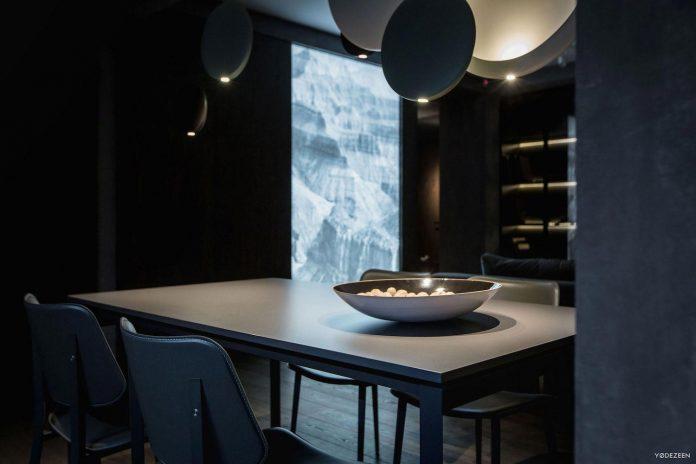 modern-twilight-apartment-interior-kiev-designed-yodezeen-20