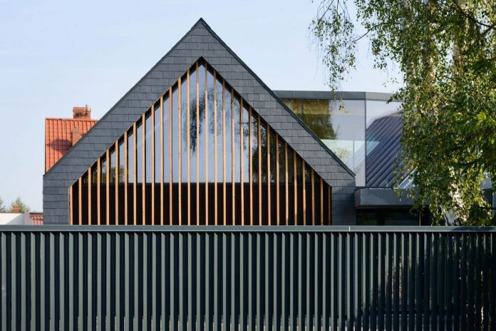 modern-wooden-two-barns-house-designed-rs-06