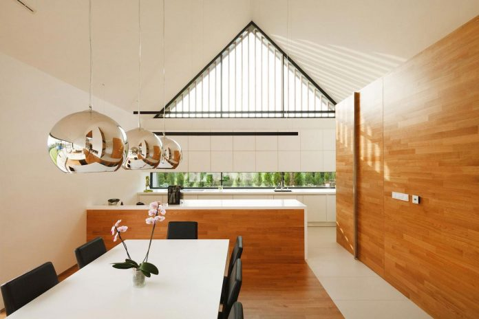 modern-wooden-two-barns-house-designed-rs-12