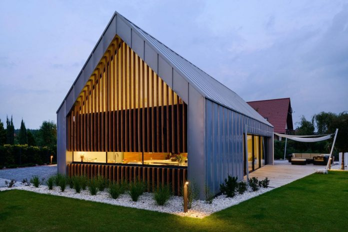 modern-wooden-two-barns-house-designed-rs-17