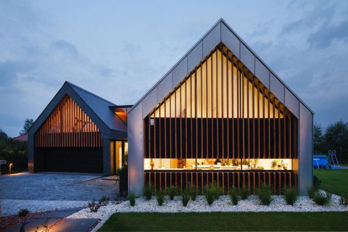 modern-wooden-two-barns-house-designed-rs-18