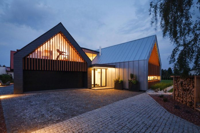 modern-wooden-two-barns-house-designed-rs-20