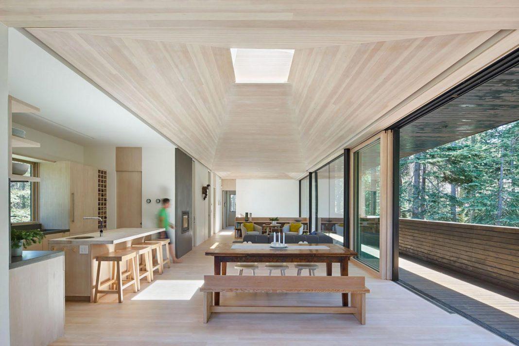 Mork ulnes architects design troll hus a 5 bedroom ski for Design skihotel