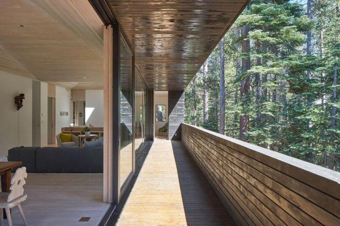mork-ulnes-architects-design-troll-hus-5-bedroom-ski-cabin-sugar-bowl-ski-resort-07