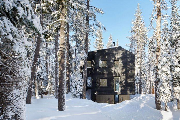 mork-ulnes-architects-design-troll-hus-5-bedroom-ski-cabin-sugar-bowl-ski-resort-08