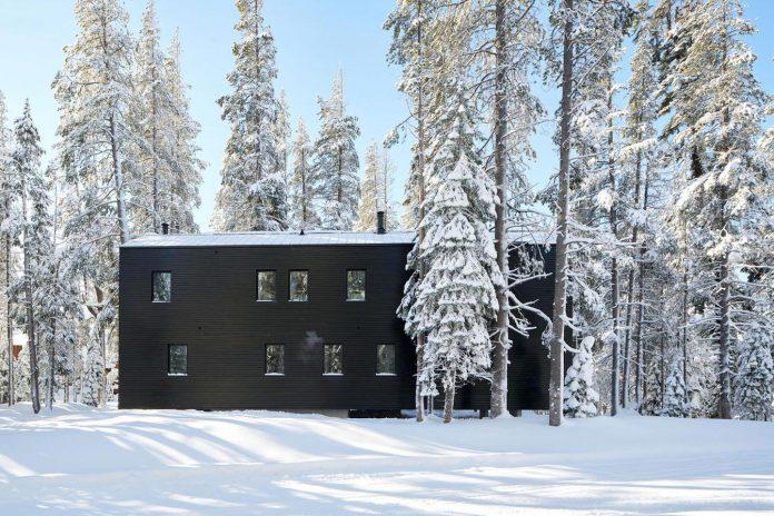 mork-ulnes-architects-design-troll-hus-5-bedroom-ski-cabin-sugar-bowl-ski-resort-09