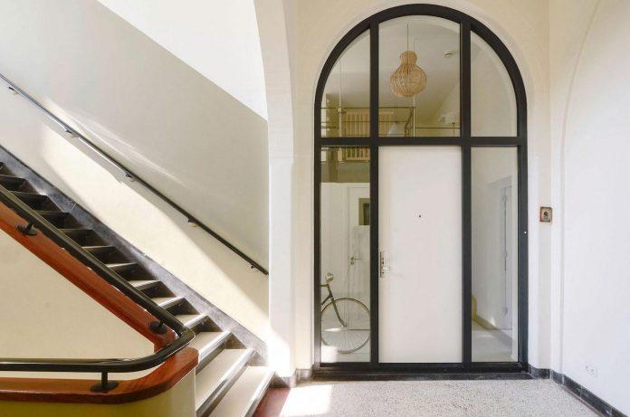old-school-conversion-apartment-building-amsterdam-standard-studio-casa-architecten-01