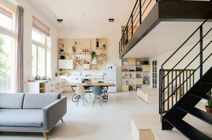 old-school-conversion-apartment-building-amsterdam-standard-studio-casa-architecten-03