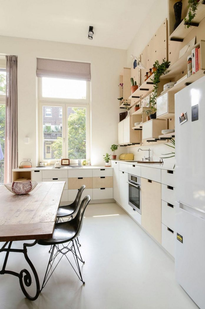 old-school-conversion-apartment-building-amsterdam-standard-studio-casa-architecten-07
