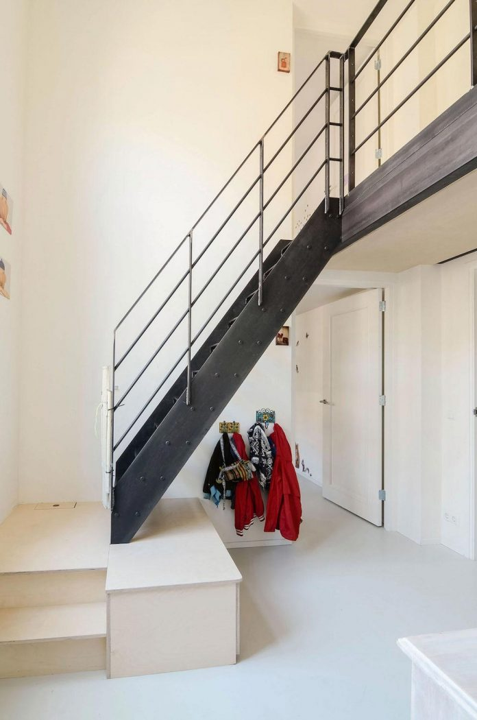 old-school-conversion-apartment-building-amsterdam-standard-studio-casa-architecten-11