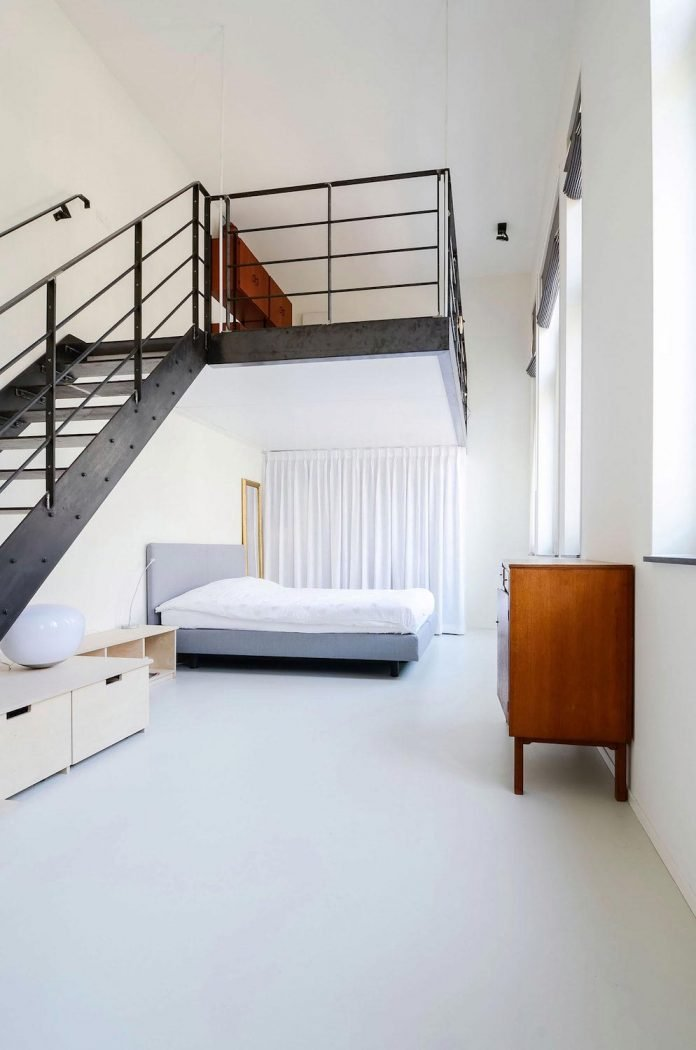 old-school-conversion-apartment-building-amsterdam-standard-studio-casa-architecten-12