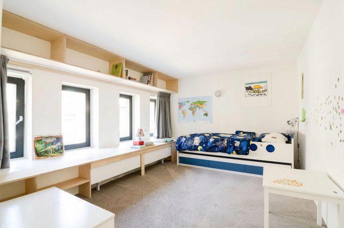 old-school-conversion-apartment-building-amsterdam-standard-studio-casa-architecten-14