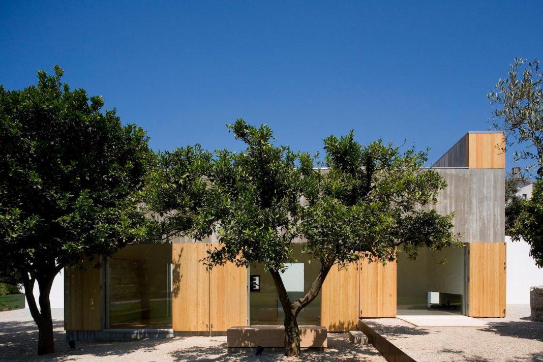 One story renovation of House in Chamusca Da Beira by João Mendes Ribeiro